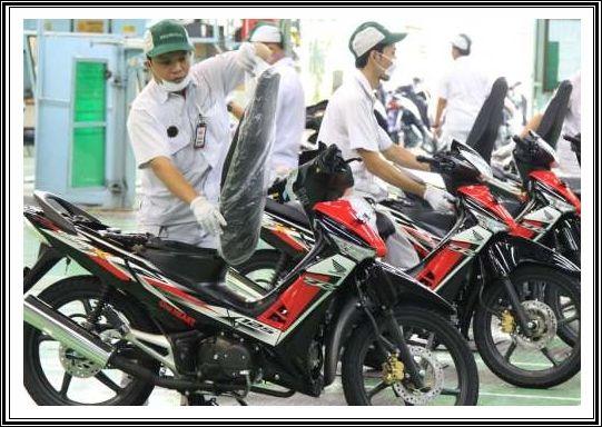 AHM Rilis Warna dan Stripe Baru Honda Supra X 125