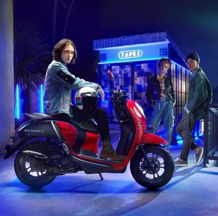 Dapatkan Promo menarik dari setiap pembelian Varian Sporty Black dan Sporty Red New #HondaScoopy Dp 2,2 juta rupiah